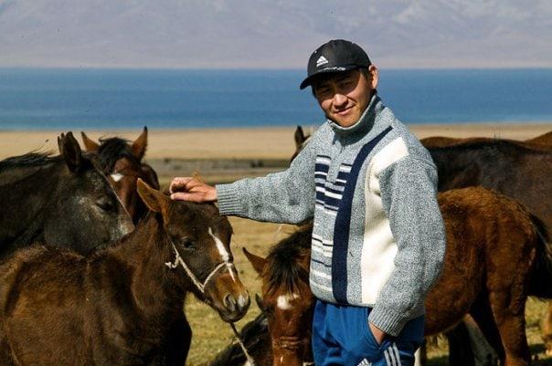 Azamat guidant à la montagne
