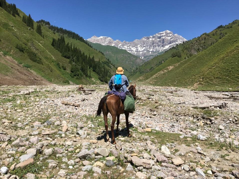 Guide et conseils pour faire une randonnée à cheval au Kirghizistan.